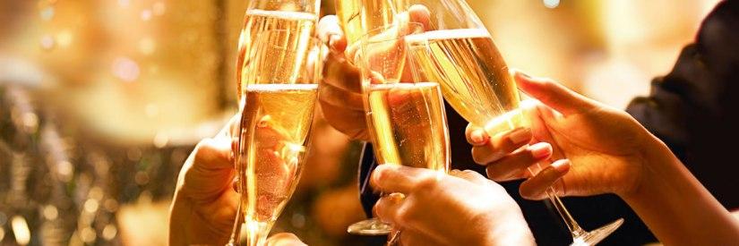 1280x427xhyatt-champagne-toast-pagespeed-ic-zhgwpaasz9